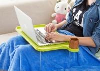 Подставка пластиковая для ноутбука FO на ножках с подстаканником (зеленый). 41855